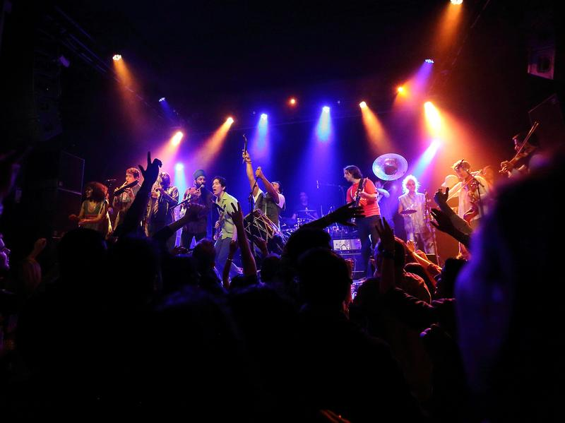 Red Baraat, Live