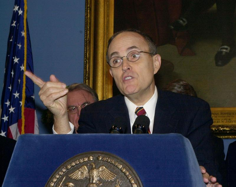Mayor Rudolph Giuliani at City Hall in 2000, announcing his plan to abolish the Board of Education.