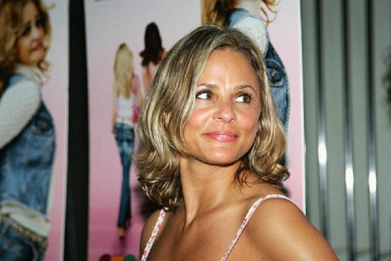 Actress Amy Sedaris attends the premiere of 'Strangers With Candy' at Cinema 1-2-3 June 20, 2006 in New York City.