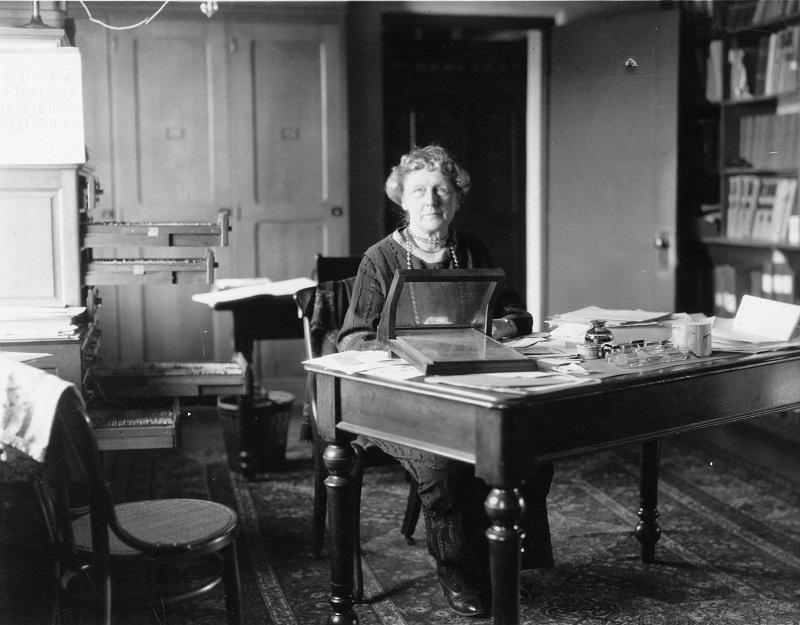 First hired by Harvard College Observatory to carry out astronomical calculations, Annie Jump Cannon (1863-1941) eventually became one of the foremost American astronomers.