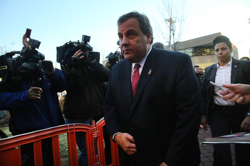 Gov. Chris Christie arriving at Fort Lee to apologize to Mayor Mark Sokolich.