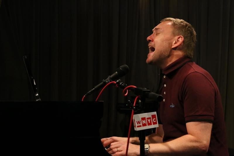 David Gray performs in the Soundcheck studio.