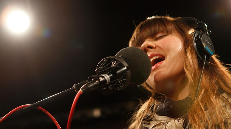 Diane Birch performs in the Soundcheck studio.