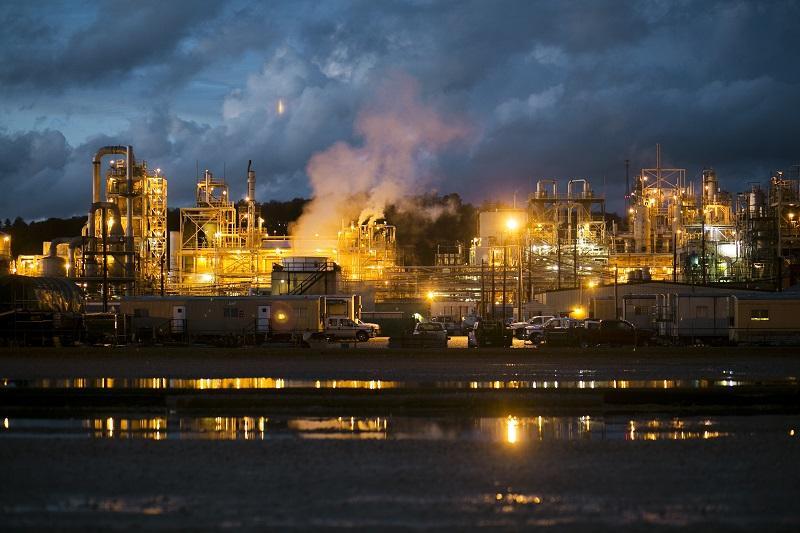 The Washington Works DuPont plant in Parkersburg, WV on October 28, 2015.