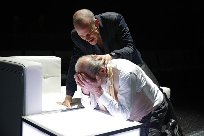 Peter Sarsgaard and Harris Yulin in the Classic Stage Company production of HAMLET.