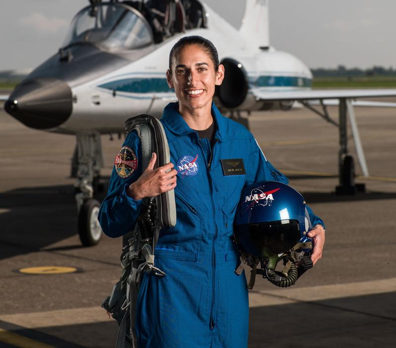 Resultado de imagen de Jasmin Moghbeli, Helicopter Pilot and Aerospace Engineer