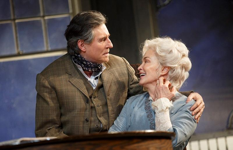 "Roundabout Theatre Company presents ""Long Day's Journey Into Night."" Pictured (l to r): Gabriel Byrne, Jessica Lange."