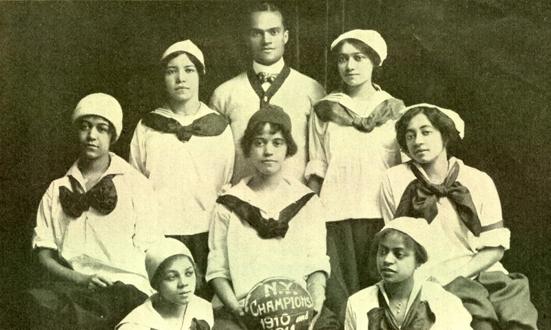 Photo of the New York Girls basketball team, 1910.