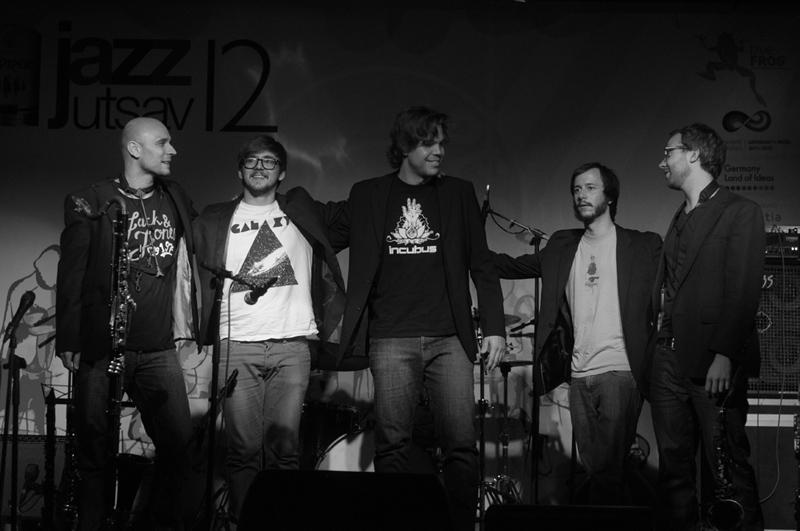 pommelHORSE (Lukas Roos, clarinets / Olivier Zurkirchen, rhodes / Gregor Lisser, drums / Jeremias Keller, bass / Joel Graf, saxes)