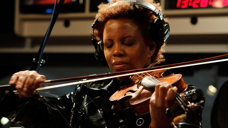 Regina Carter performs in the Soundcheck studio.