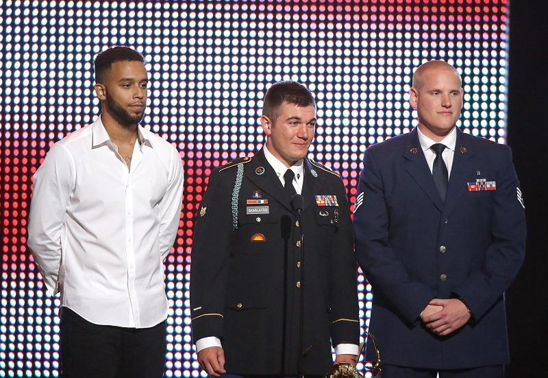 (L-R) Honorees Anthony Sadler, Specialist Alek Skarlatos, and Airman First Class Spencer Stone onstage during the Spike TV's Guys Choice 2016 held at Sony Pictures Studios on June 4, 2016 in CA.