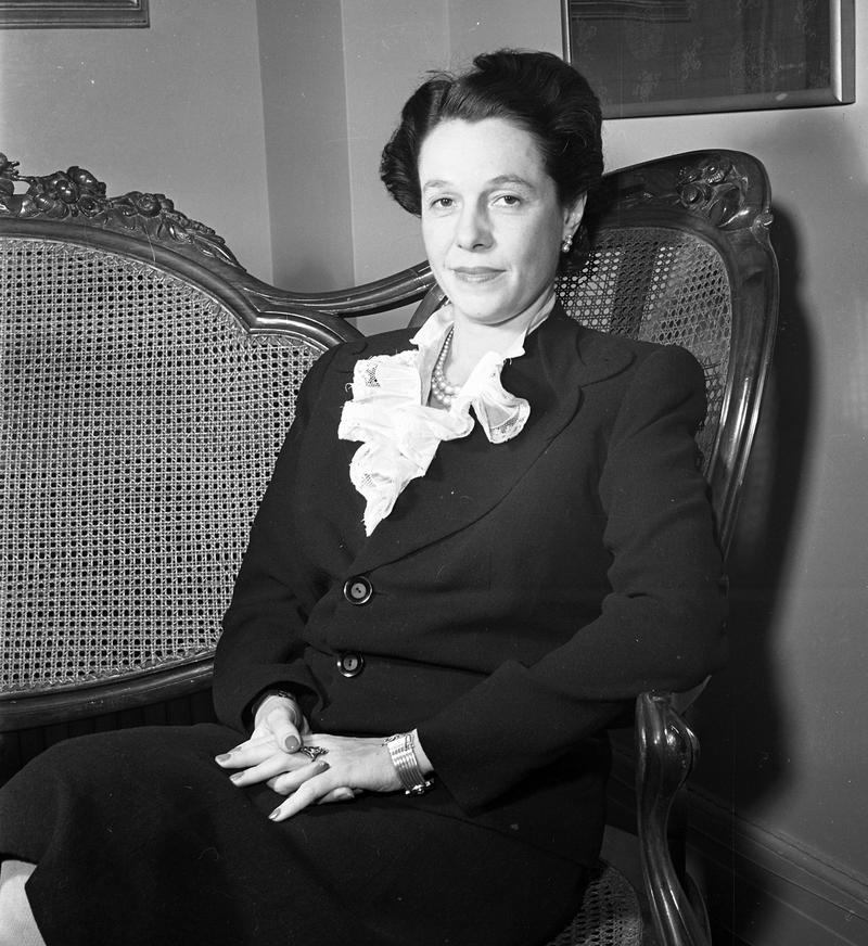 Actress and monologist Cornelia Otis Skinner in 1943.