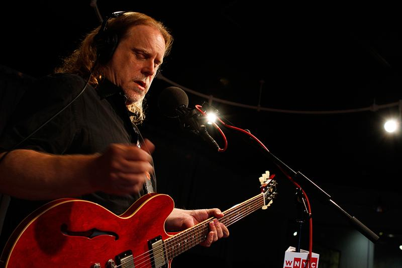 Warren Haynes performs in the Soundcheck studio.