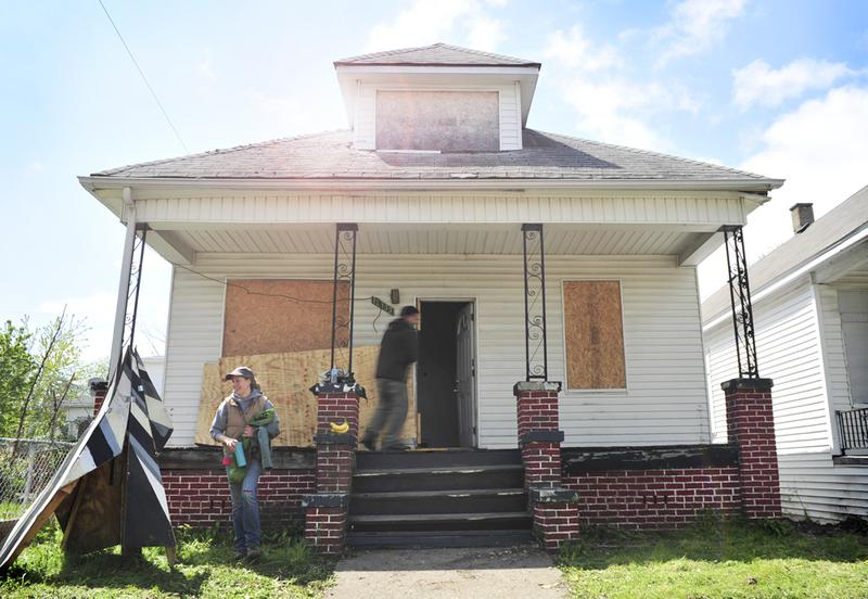 Detroit writers and urban activists are restoring houses in the city to award to low-income working writers.