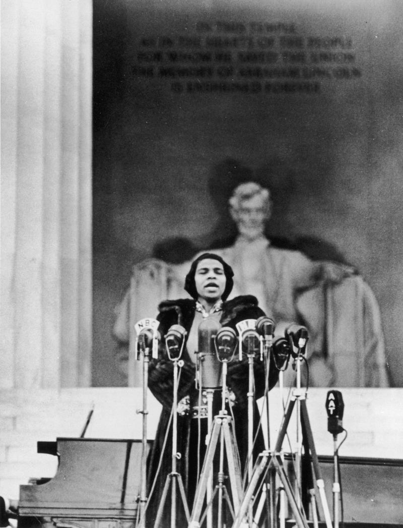 Marian Anderson performs on the steps of the Lincoln Memorial on Easter Sunday in 1939
