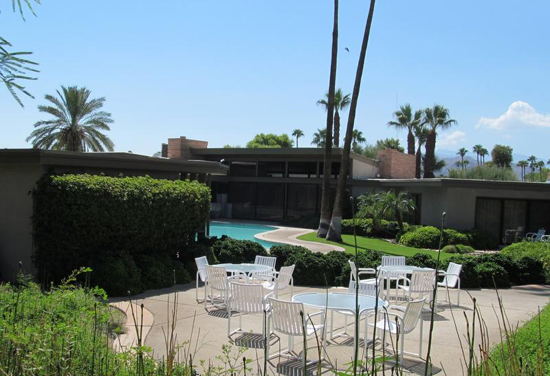 The homes he lived in frank sinatra in palm springs wnyc for Twin palms estates palm springs