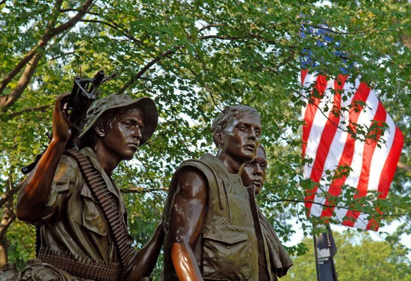 Памятник в вашингтоне ветеранам вьетнама фото