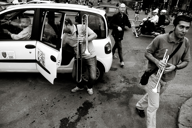 Rome: Participating musicians arrive by taxi.
