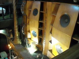 massive-wooden-speakers