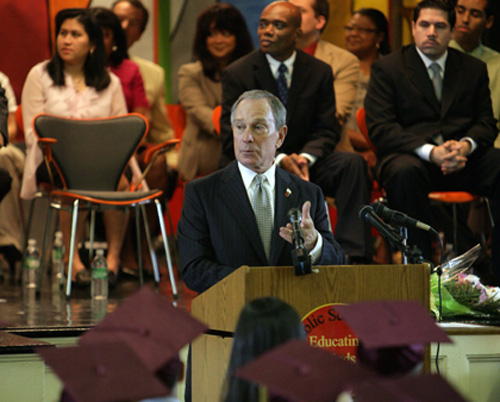 Mayor Bloomberg speaks at PS 69's fifth grade graduation. June 23, 2009. (Spencer T Tucker)