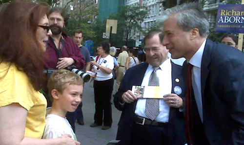 Richard Aborn (R) with Jerrold Nadler (L).