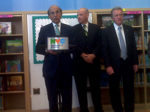 Chancellor Joel Klein announcing the new progress reports for elementary and middle schools. The chancellor spoke at P.S. 189 in Washington Heights which earned an A.